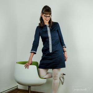 60er Jahre inspiriertes Kleid mit betontem Reißverschluss