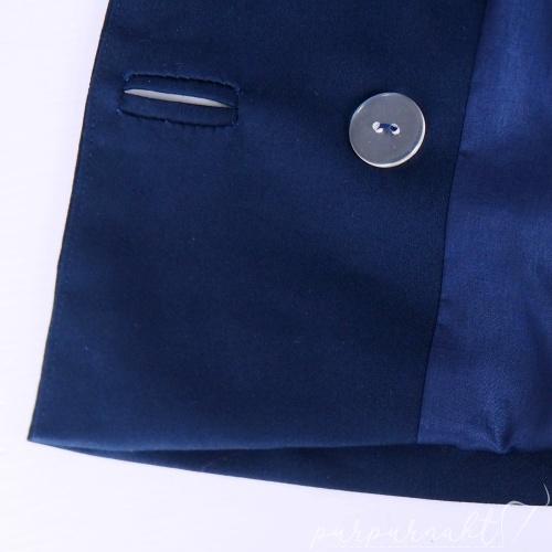 Blauer Blazer - Knopfloch