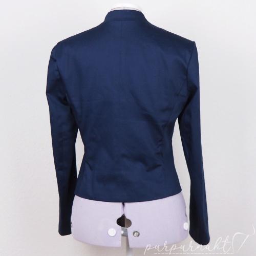 Blauer Blazer von hinten